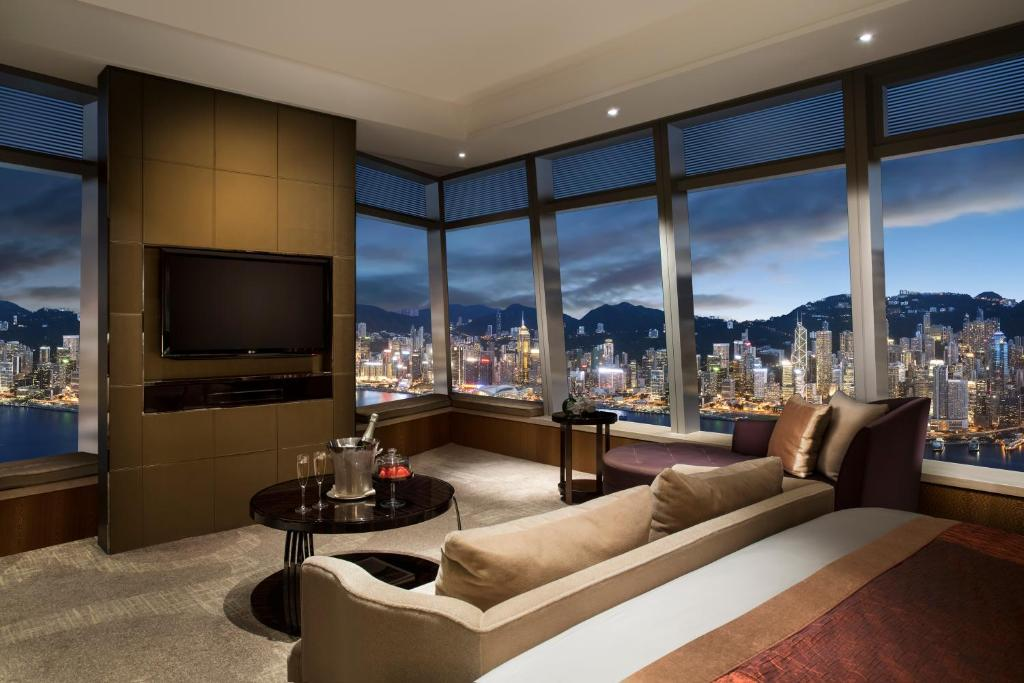 """The Ritz-Carlton Hong Kong""的图片搜索结果"