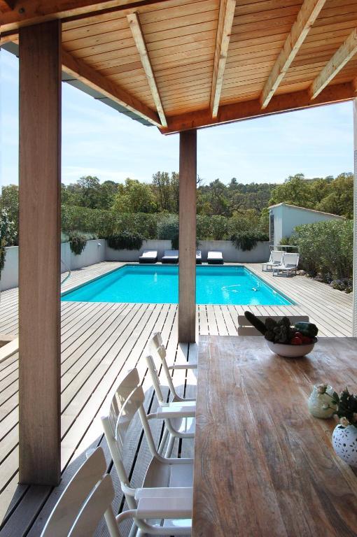 villa coucou les amis sainte lucie de porto vecchio france. Black Bedroom Furniture Sets. Home Design Ideas