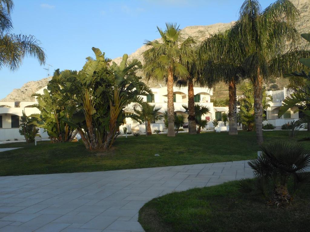 Isola del Giglio townhouses