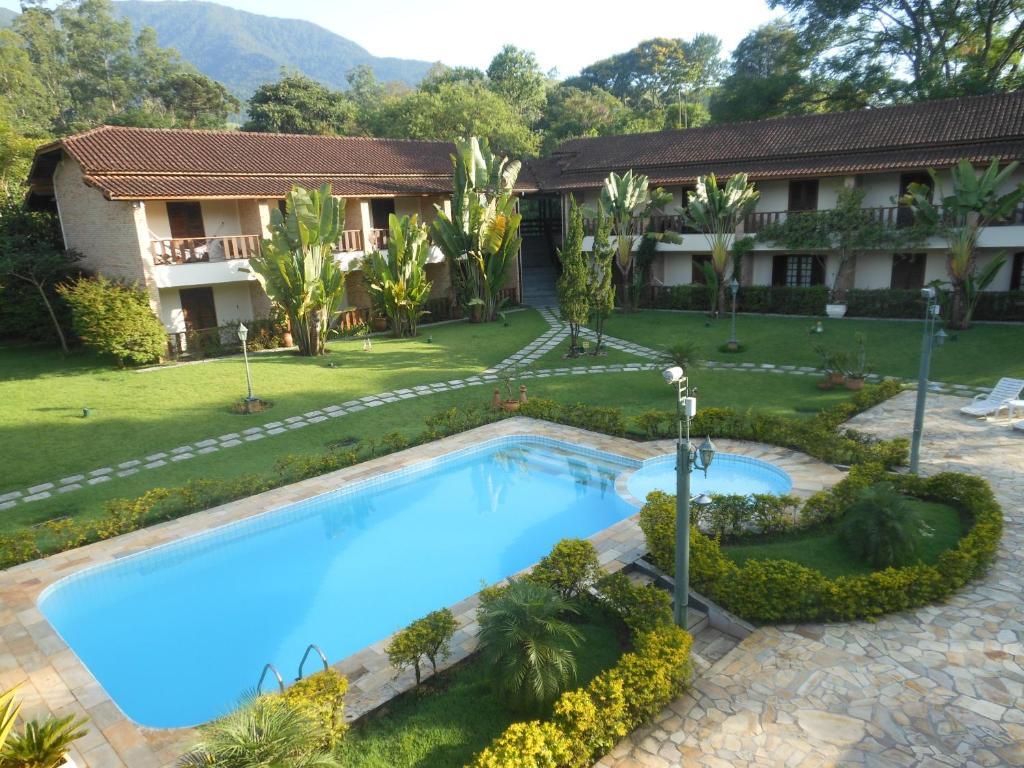 Pousada Muriqui游泳池或附近泳池