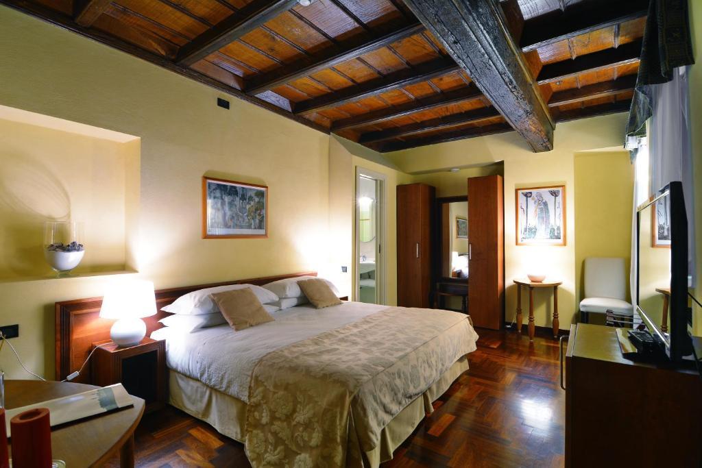Hotel Boutique Antiche Mura (Itália Saluzzo) - Booking.com
