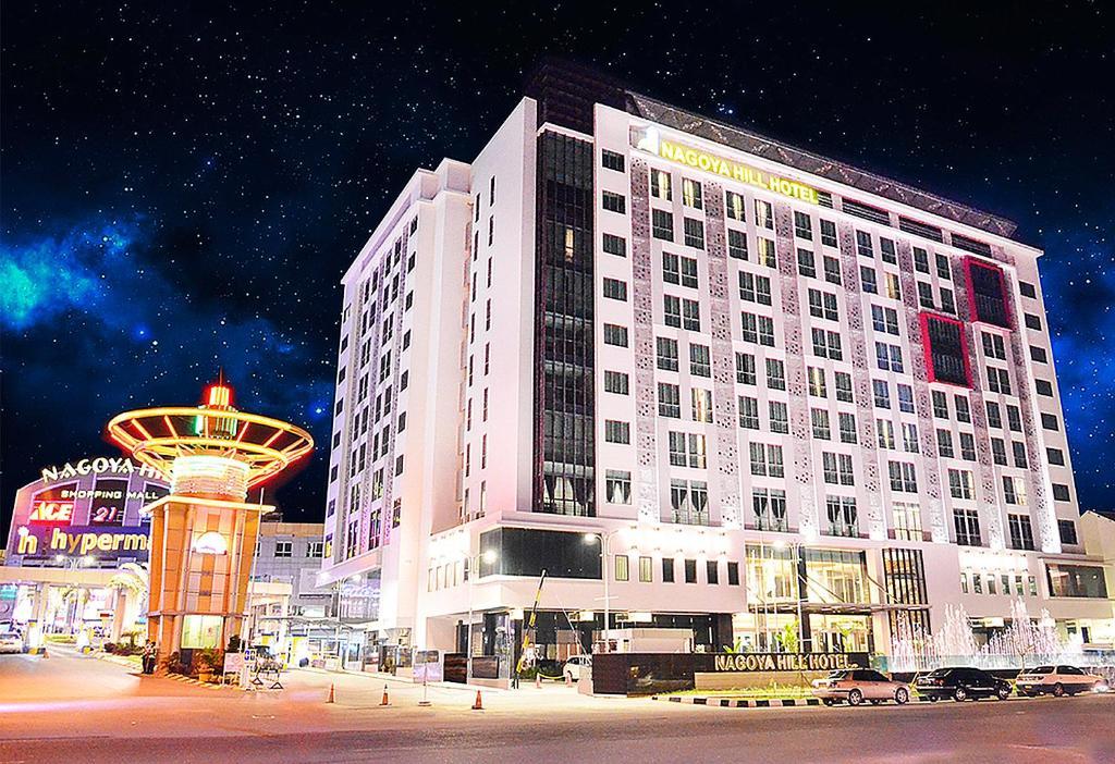 Hotels near Nagoya Hill Shopping Mall, Batam Island - BEST