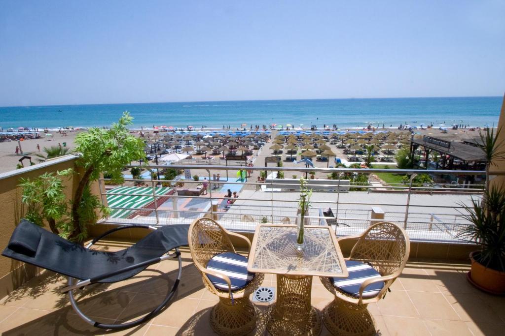 Carihuela Beach Apartamentos Torremolinos Updated 2018 Prices