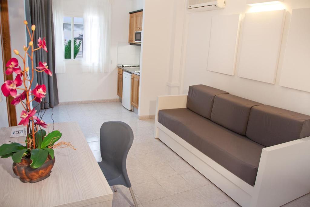 18 Photos Close Apartamentos Panoramic