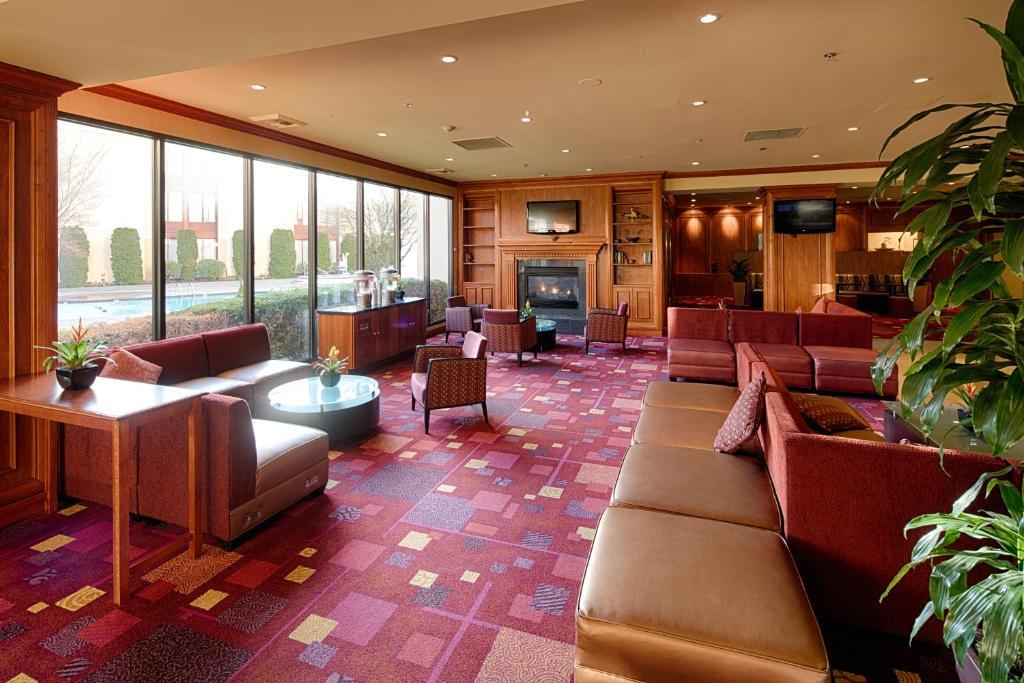 Lobby Of Motif Seattle Photo Destination Hotels Resorts