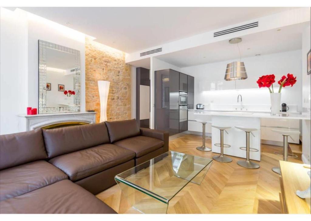 Appartement de luxe Place Bellecour, Lyon, France - Booking.com