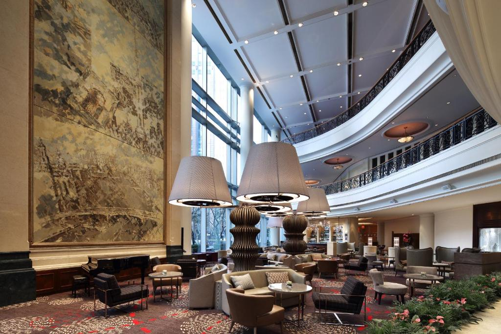 marketing of four seasons hotel shanghai essay Four seasons on the way of implementing four seasons corporate strategy, was to ensure that  four seasons case analysis four seasons hotels operates in the market of.