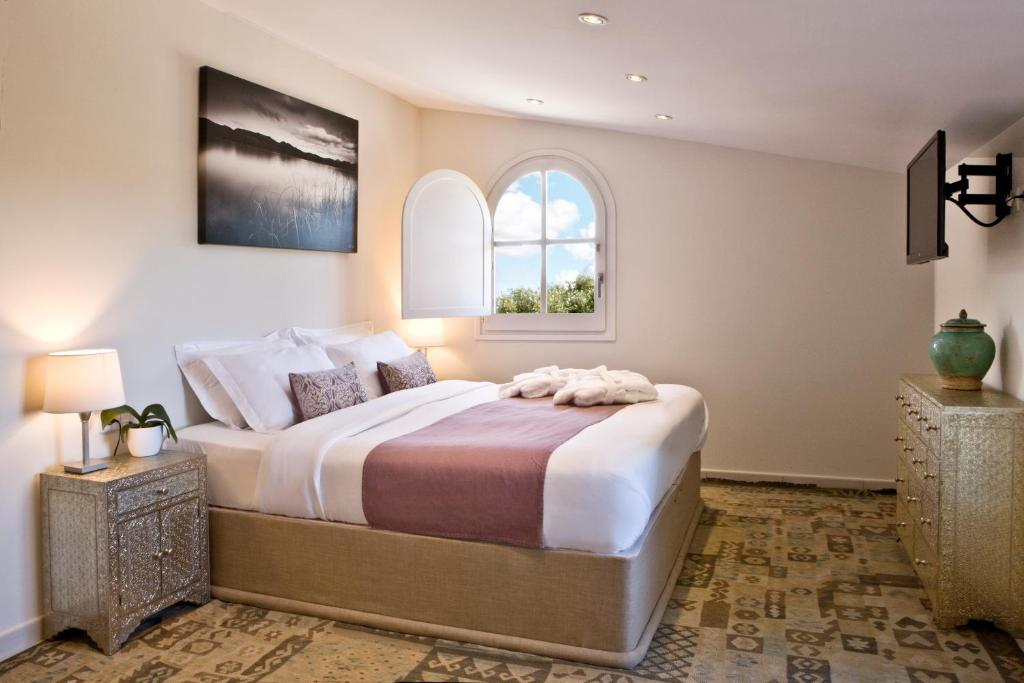 boutique hotels in girona  71