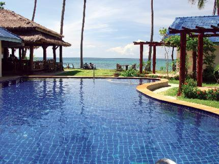 The swimming pool at or close to Sea Sand Sun Resort, Lanta Island