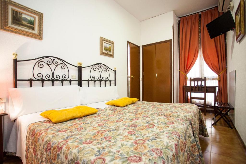 guesthouse hostal armesto madrid spain booking com rh booking com