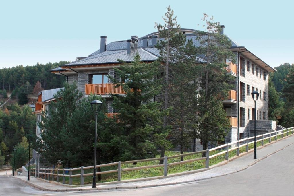 Apartments In Castellar De N'hug Catalonia