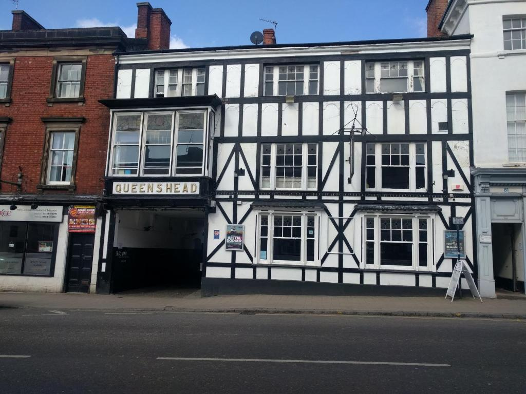 The queens head hotel ashby de la zouch uk booking gallery image of this property reheart Images