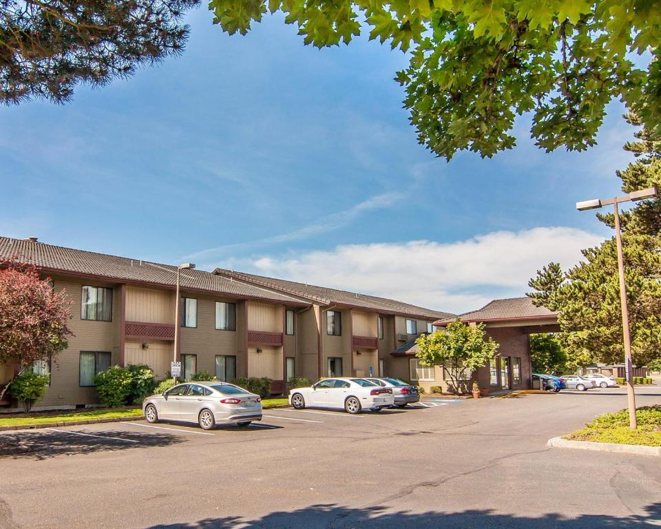 Comfort Inn Conference Center Hillsboro Reserve Now Gallery Image Of This Property