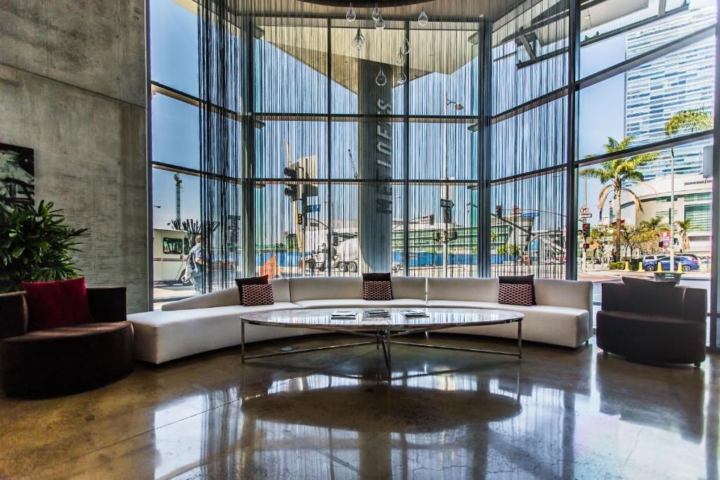 Apartment Met Lofts Suites Downtown LA Los Angeles CA