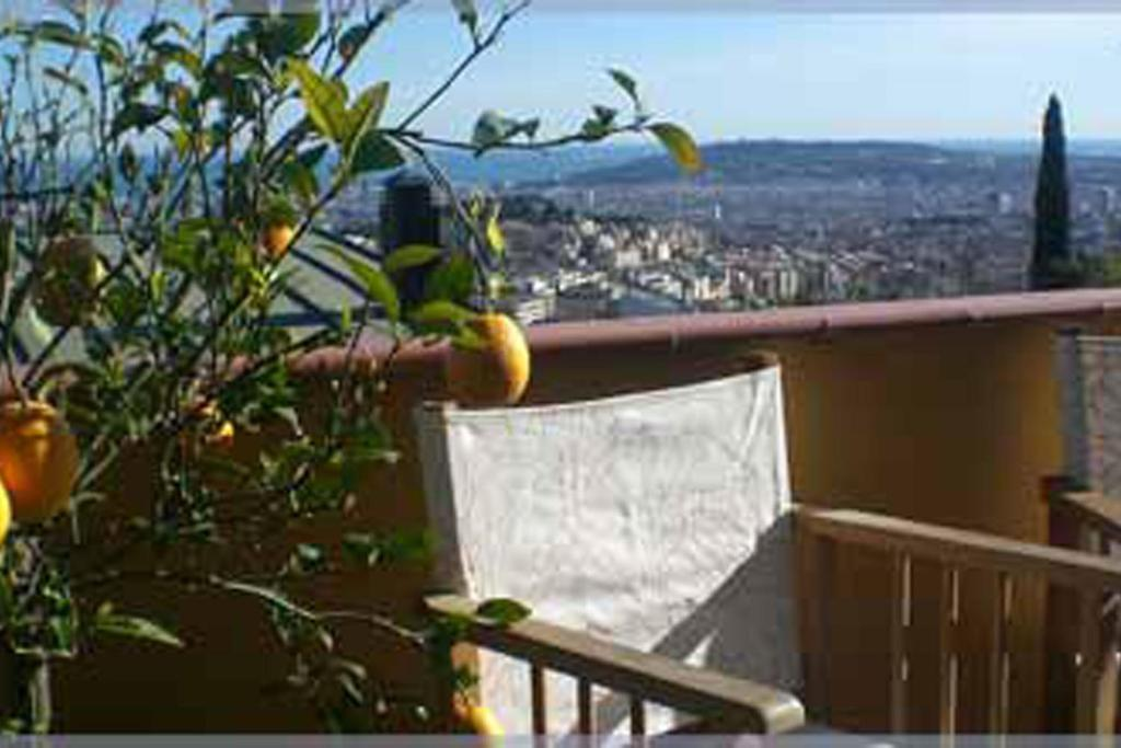 A balcony or terrace at Anita's Bed and Breakfast