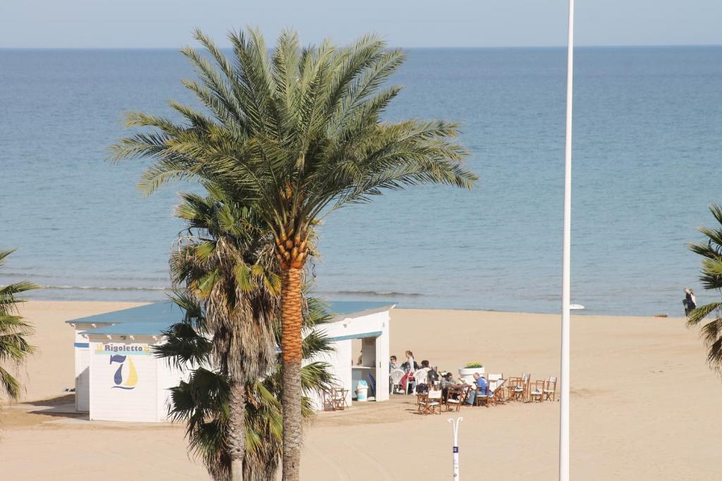 Neptuno Beach imagen