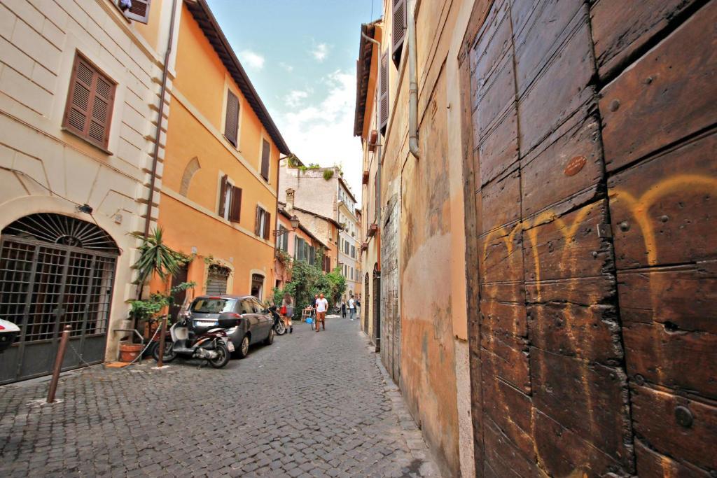 Apartment Campo De Fiori Romantic Studio Rome Italy Bookingcom