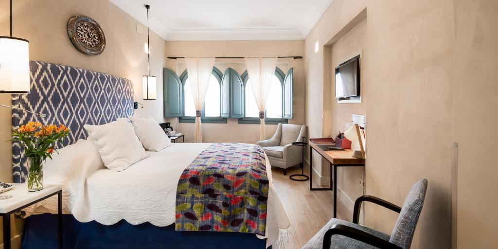 boutique hotels in sevilla  216
