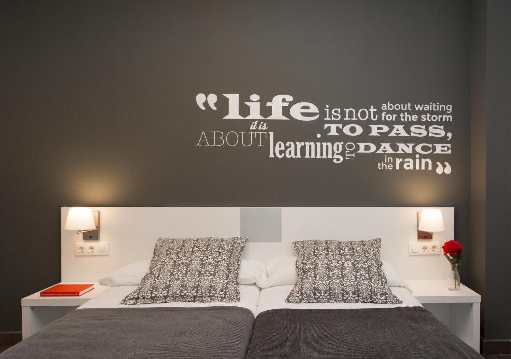 08028 Apartments imagen