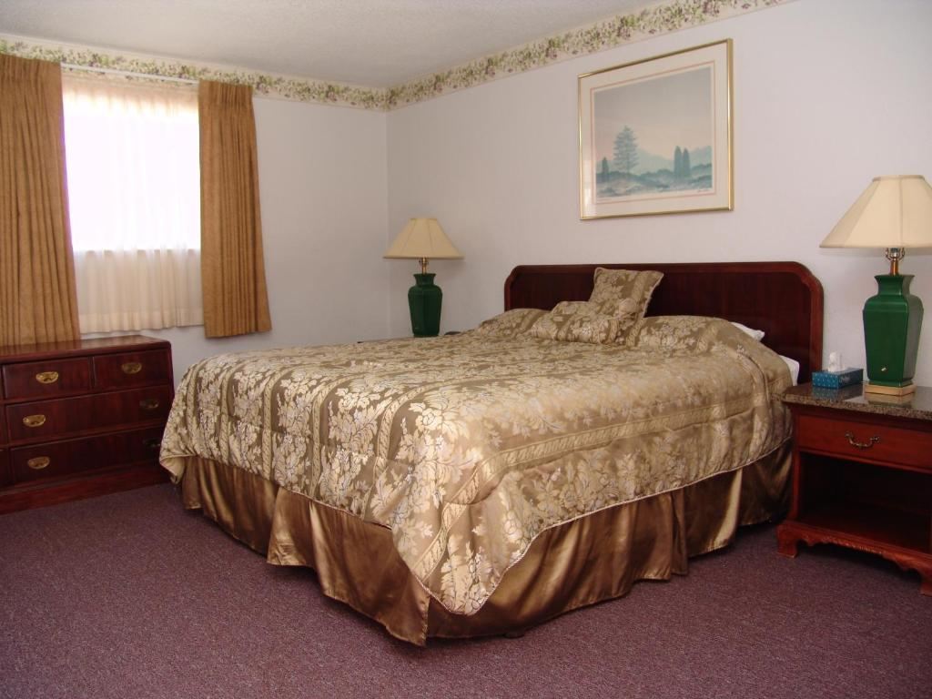 Springs Inn, Colorado Springs, CO - Booking.com