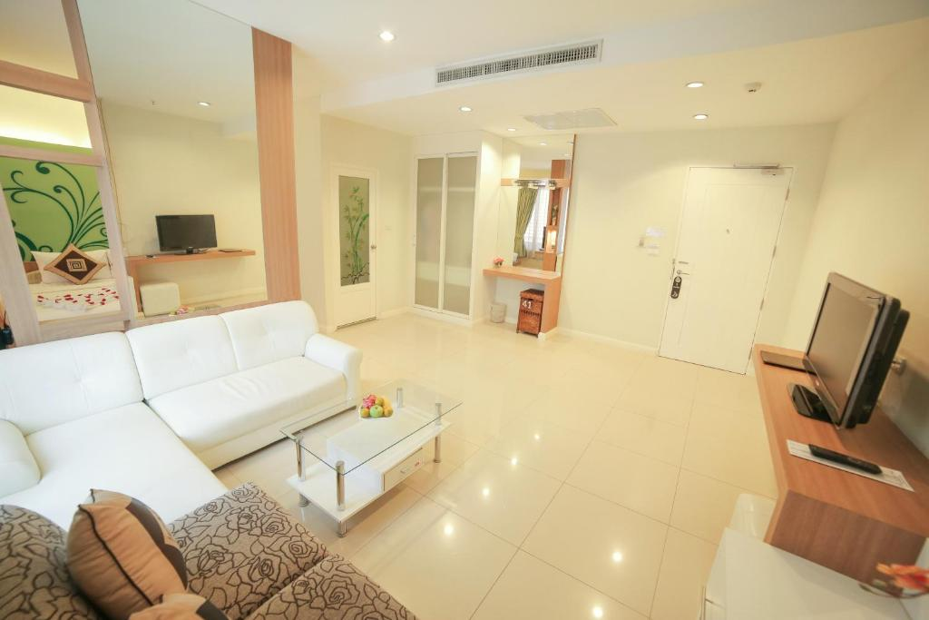 Vientiane hemera hotel laos booking gallery image of this property gallery image of this property reheart Images