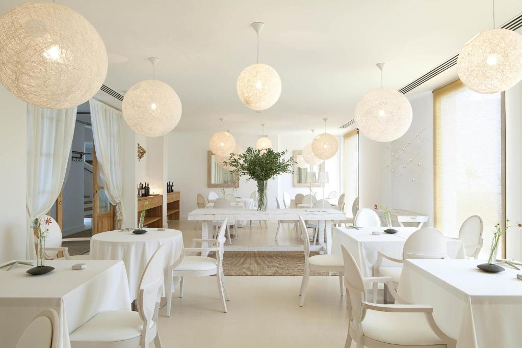 boutique hotels formentera  30