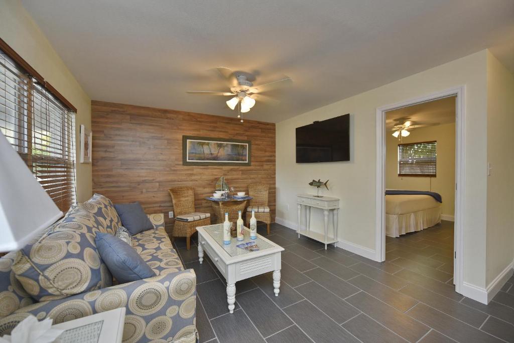 Apartment Gulf Holiday - Siesta Key, FL - Booking.com