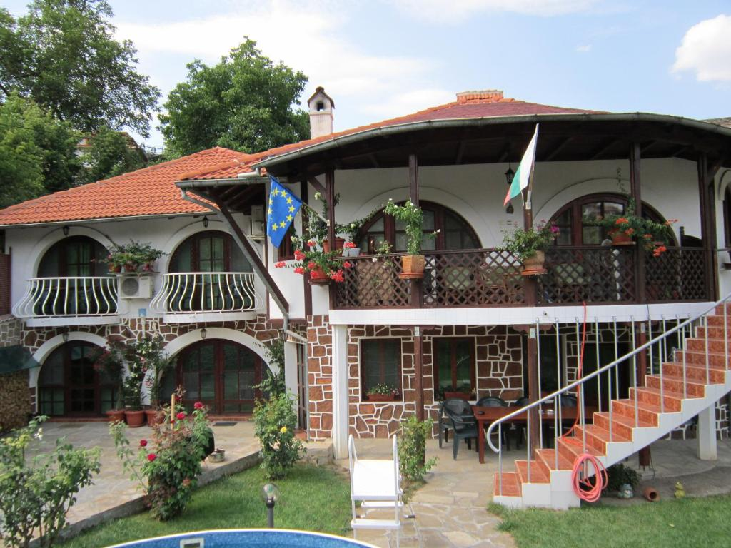 Pension The Beautiful House Bulgarije Veliko Tarnovo Bookingcom
