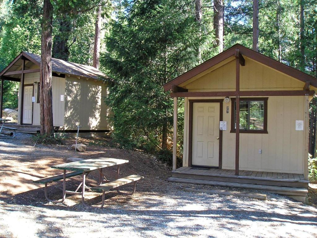 cabin national dome park of stoneman picture cabins yosemite cottage in curry village locationphotodirectlink california half