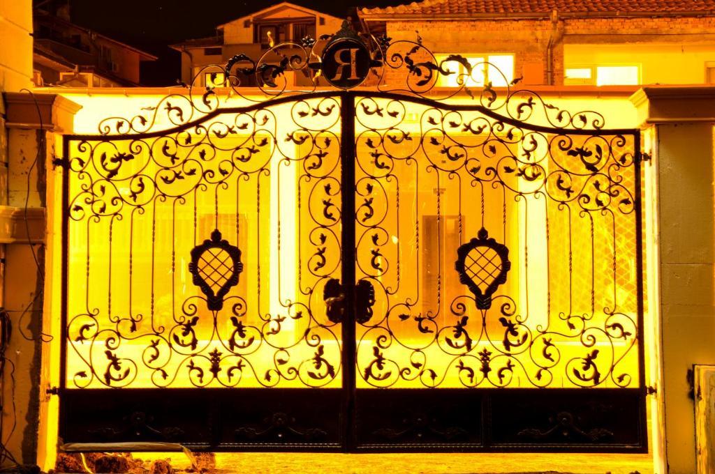 Апартамент Роел Резиденс - Свети Влас