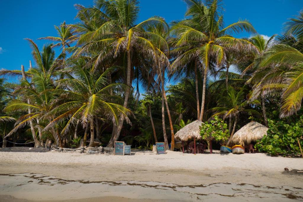 Little Corn Beach And Bungalow Island Nicaragua