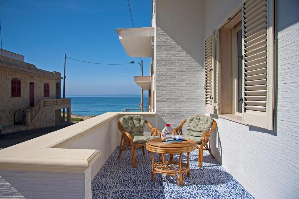 Appartamento in riva al mare marina di mancaversa for Appartamento al mare design