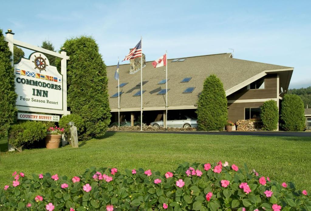 Commodores Inn, Stowe, VT - Booking.com
