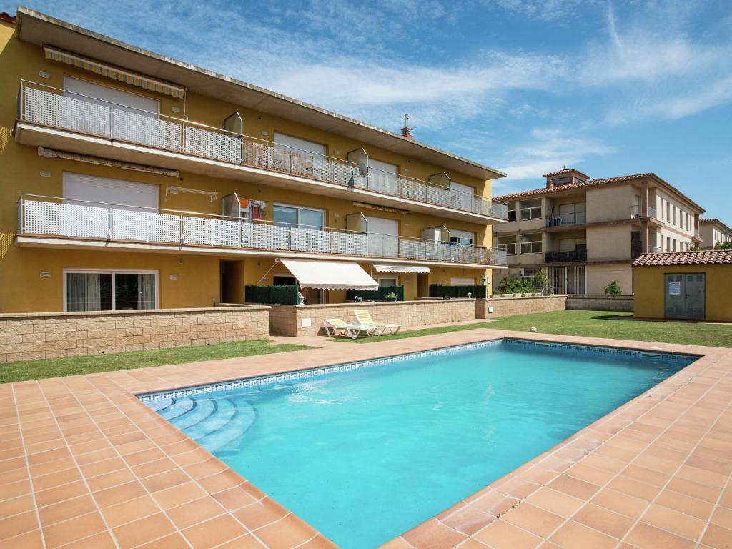 Apartments In San Pedro Pescador Catalonia