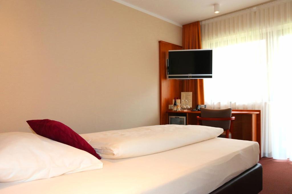 Hotel Straubs Schone Aussicht Klingenberg Am Main Updated 2019 Prices