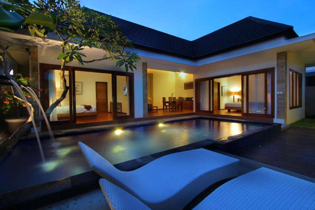 The swimming pool at or near Bali Nyuh Gading Villas