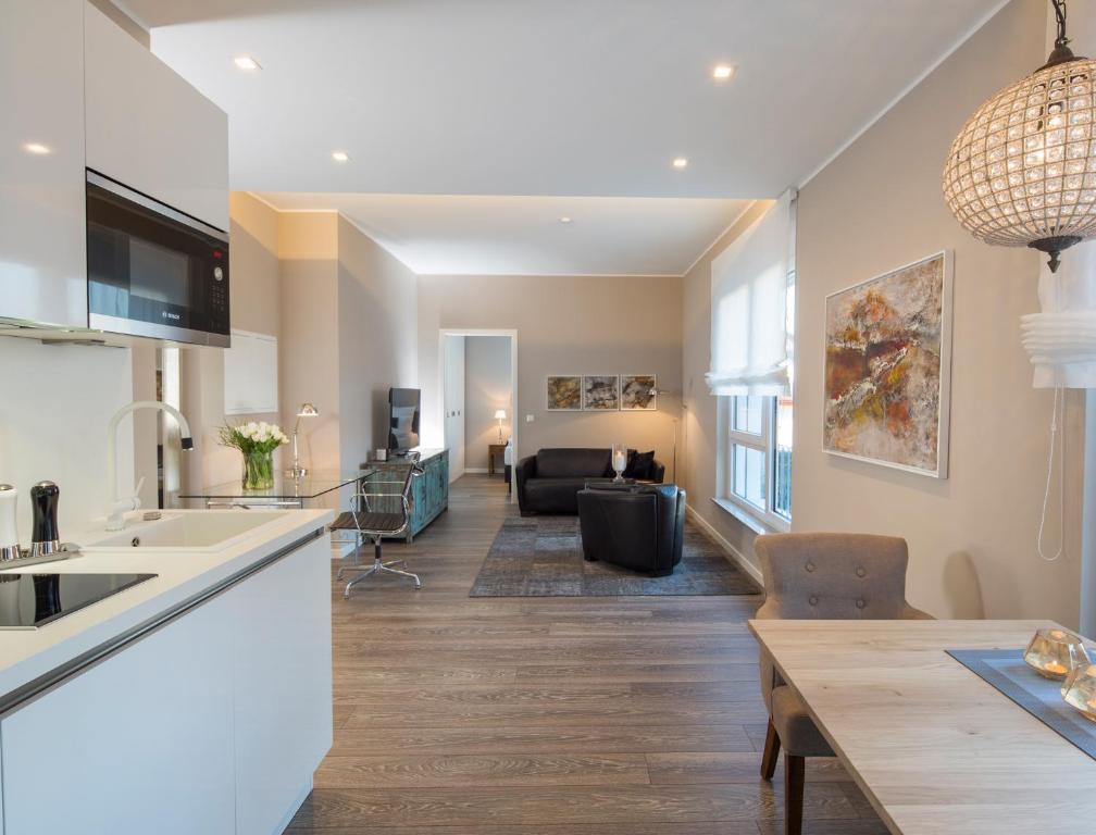 Aparthotel Logis First Class Business Suites (Deutschland Renningen ...