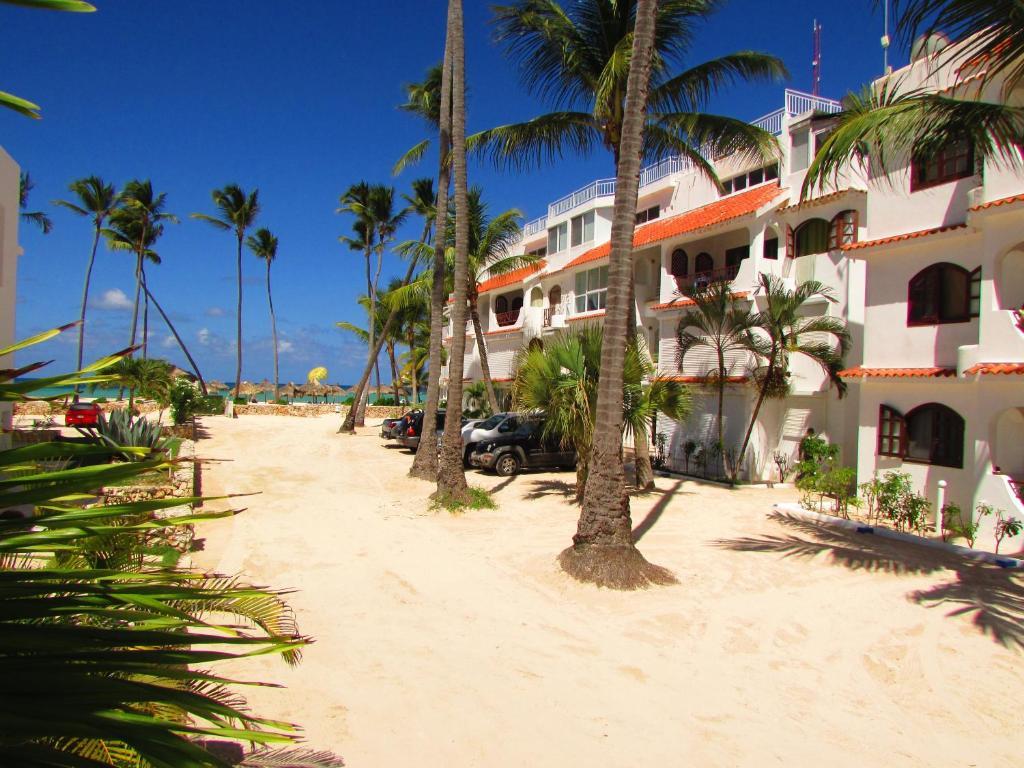 Los corales beach villas rep dominicana punta cana for Villas en punta cana