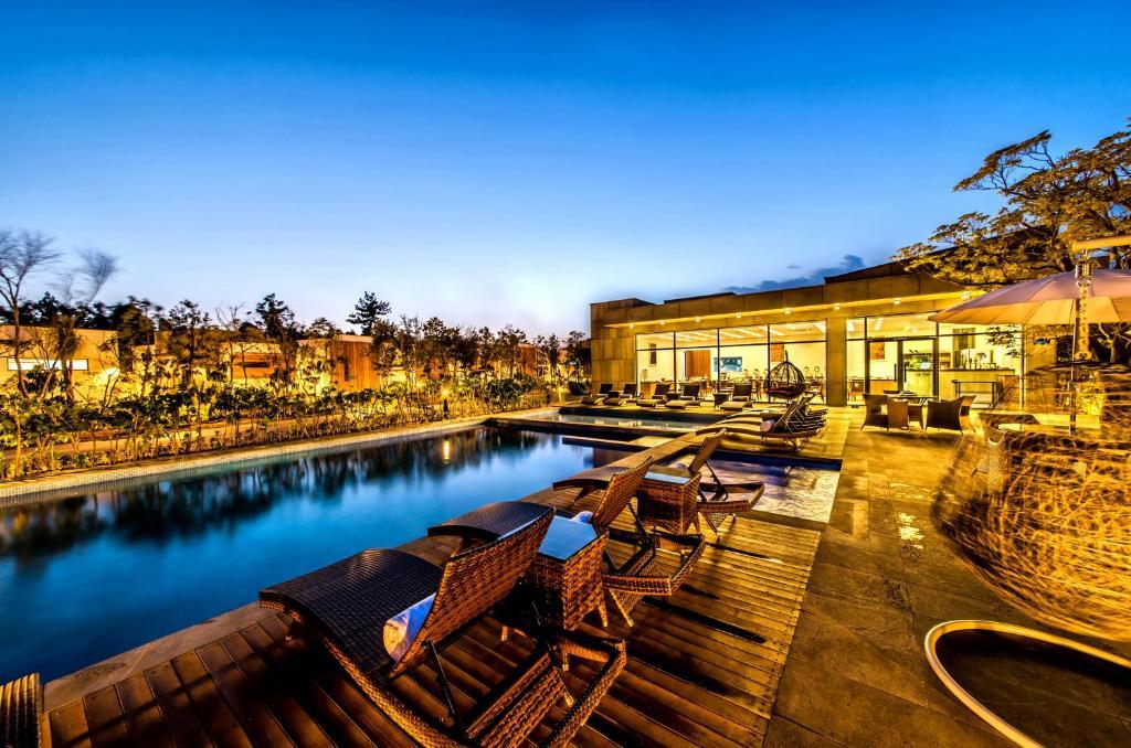 the shimpang spa poolvilla seogwipo south korea booking com rh booking com