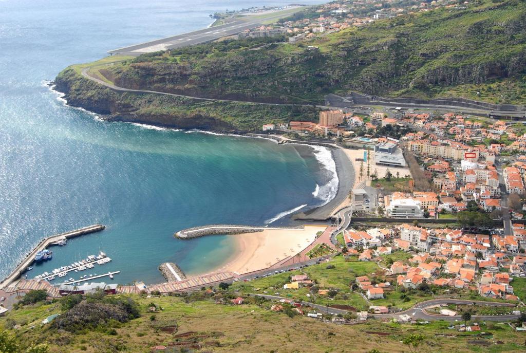 Uma vista aérea de Apartamento T2 Machico