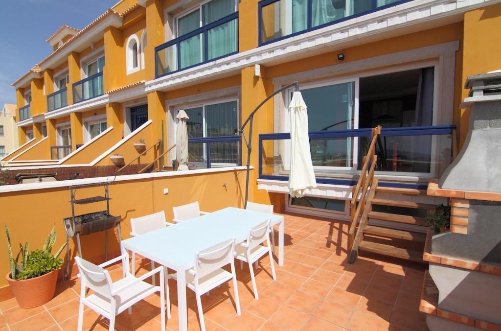 Bravo Apartments Cotillo
