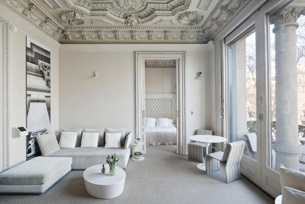 boutique hotels in barcelona  107