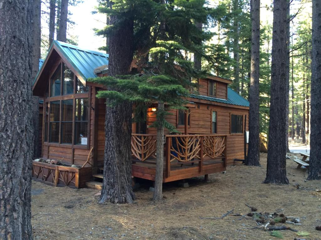 for indoor lake tahoe rent romantic with log rentals in south pool cabins cabin