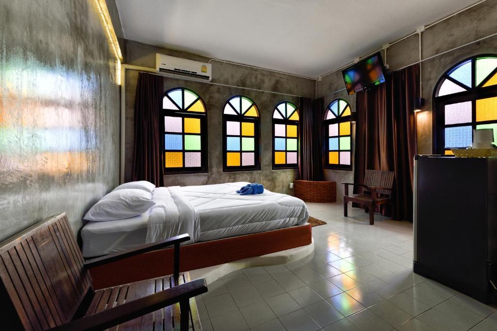 Cafe 66 Hostel Phuket Thailand