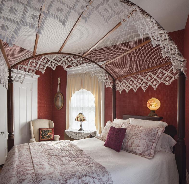 Isaiah Jones Homestead Bed and Breakfast