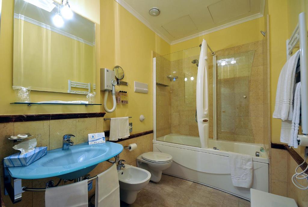 Vasca Da Bagno In Lingua Inglese : Hotel giardino inglese palermo u prezzi aggiornati per il