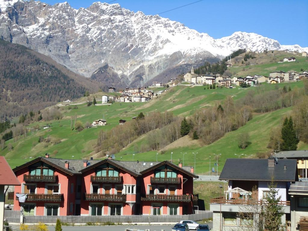 Apartment Red House, Bormio, Italy - Booking.com