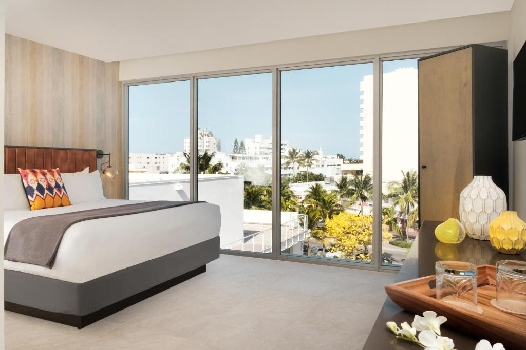 washington park hotel south beach miami beach fl. Black Bedroom Furniture Sets. Home Design Ideas