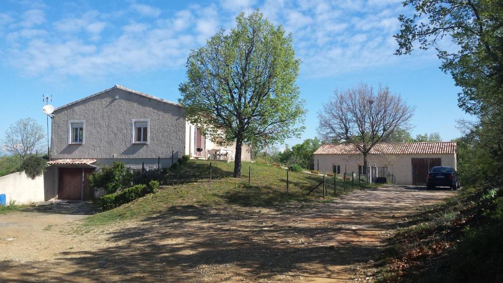 Maison de vacances g te gorges du verdon lac sainte croix france montagn - Maison couleur provence ...