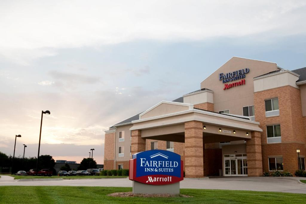 Fairfield Inn & Suites Des Moines Airport.